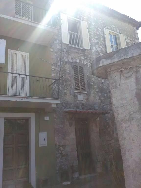 Appartamento in buone condizioni in vendita Rif. 8204371