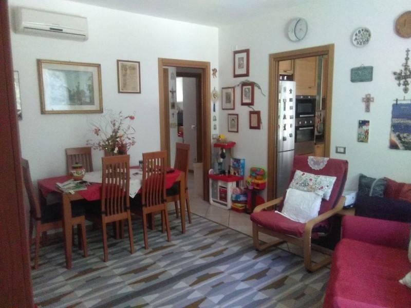 J36138: vendita appartamento con corte Casteplanio staz
