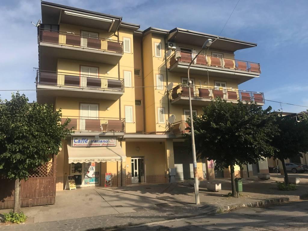 Appartamento in ottime condizioni arredato in vendita Rif. 4576669