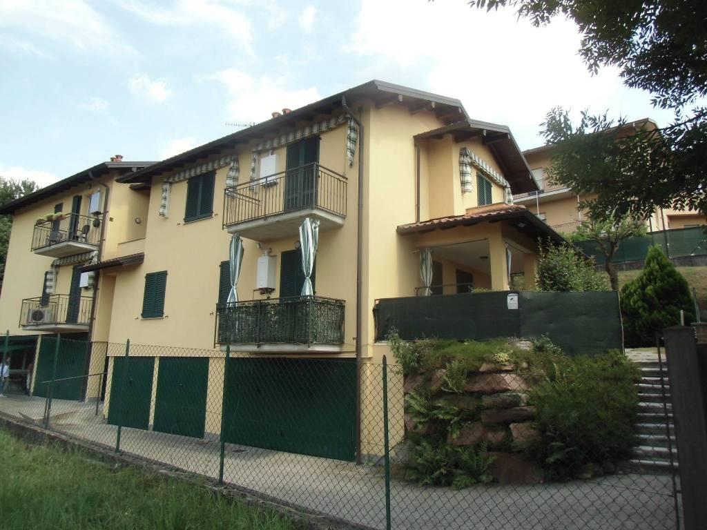 Appartamento in ottime condizioni in affitto Rif. 8296345