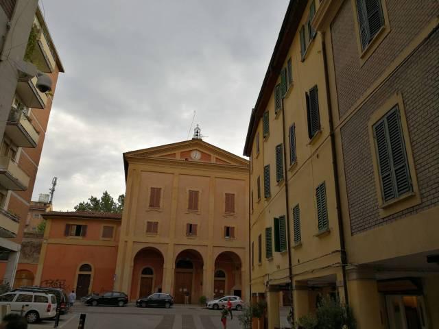 Appartamento in vendita 3 vani 75 mq.  via del Pratello 103 Bologna