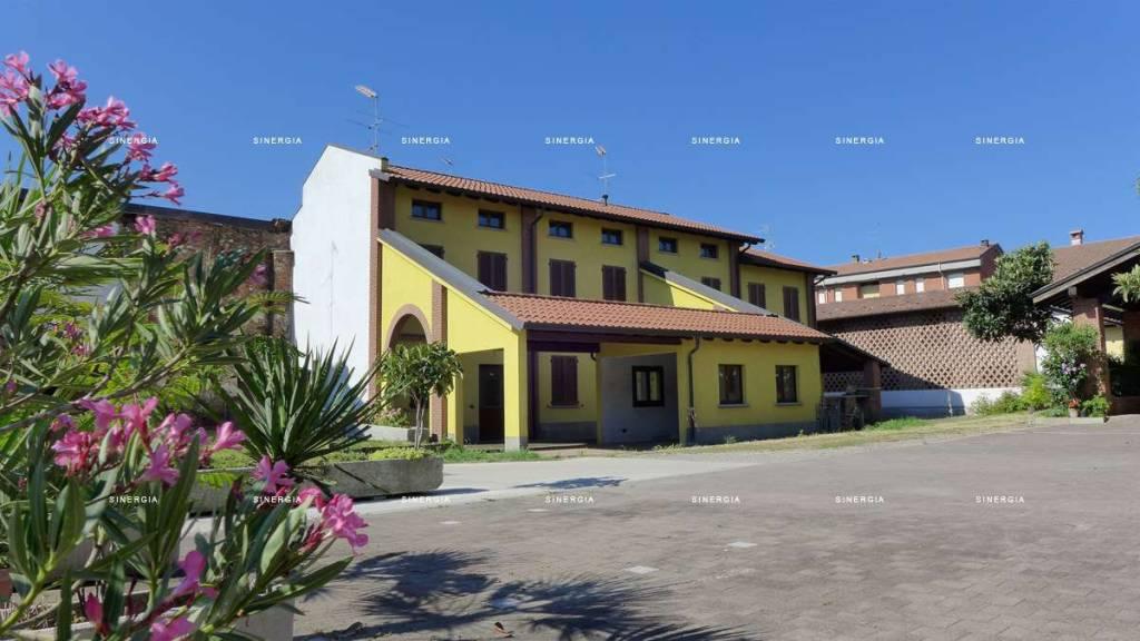 Villa a Schiera in vendita a Albairate, 5 locali, prezzo € 299.000 | CambioCasa.it