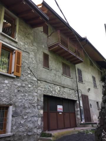 Soluzione Indipendente in vendita a Losine, 6 locali, prezzo € 185.000 | CambioCasa.it