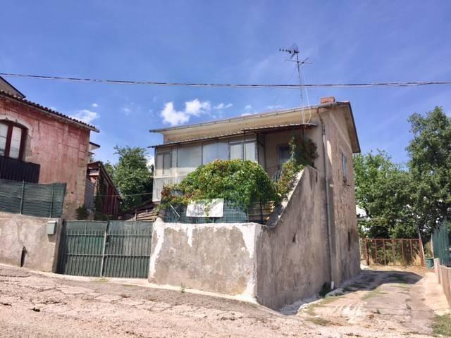 Casa Indipendente in buone condizioni in vendita Rif. 9139703