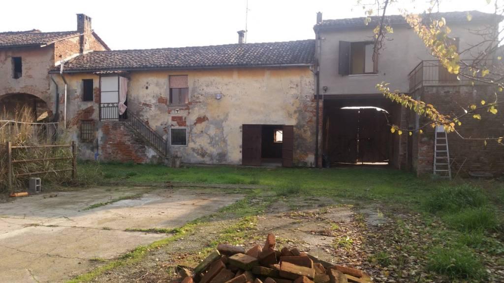 Rustico / Casale in vendita a Pessina Cremonese, 5 locali, prezzo € 47.000 | PortaleAgenzieImmobiliari.it