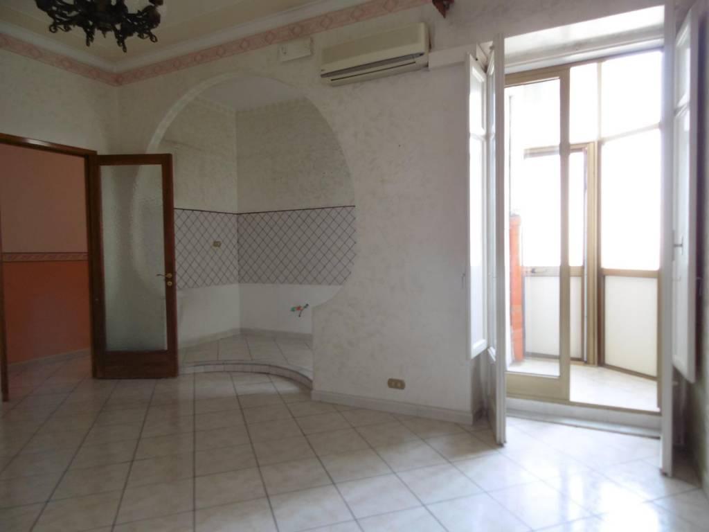 Appartamento in Vendita a Catania Periferia: 4 locali, 120 mq