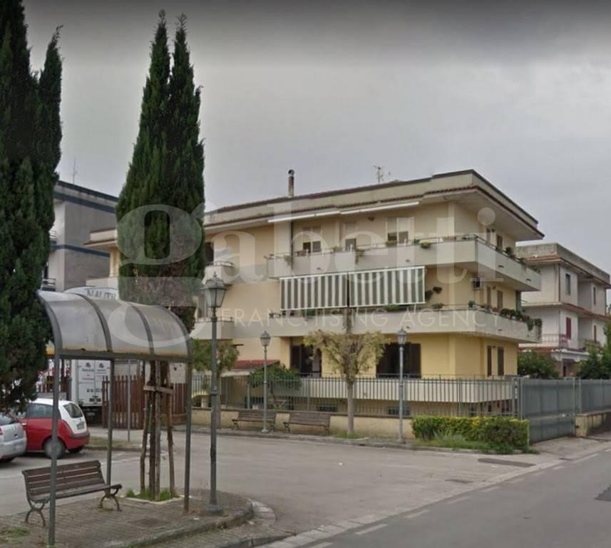 Appartamento in buone condizioni in vendita Rif. 4433126
