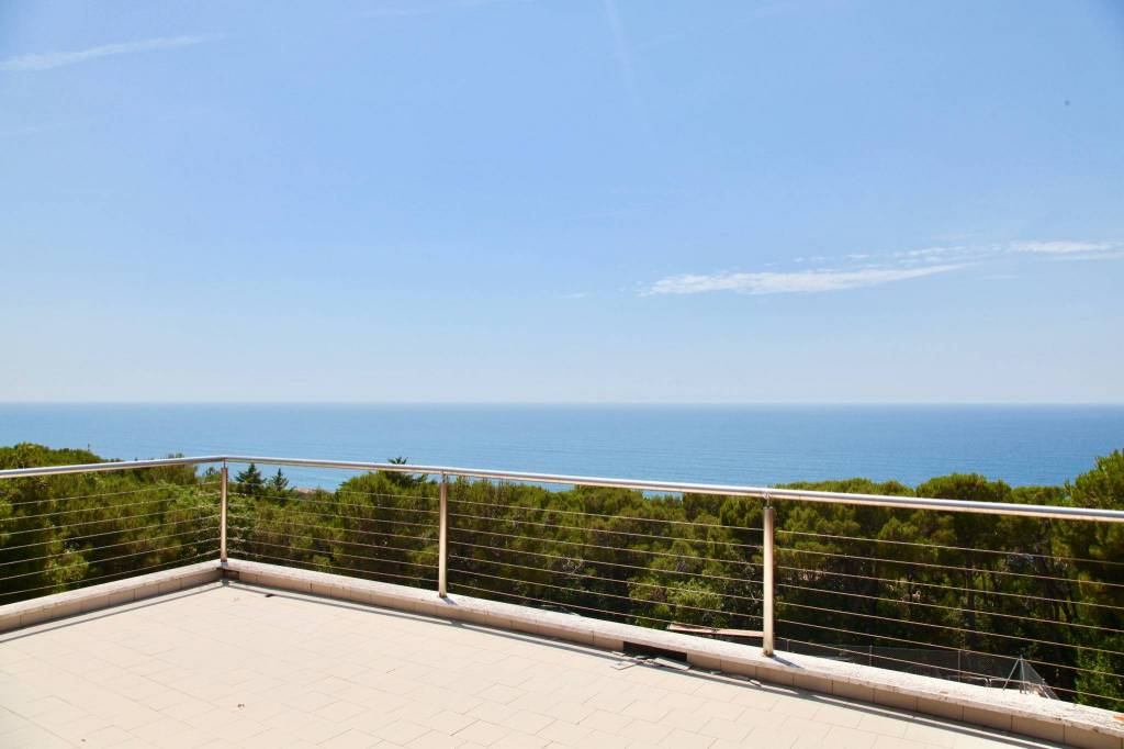 Villa in ottime condizioni in vendita Rif. 5069104