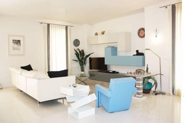 Villa in vendita a Tezze sul Brenta, 5 locali, prezzo € 350.000 | Cambio Casa.it