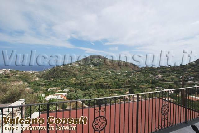 Appartamento in vendita a Lipari, 3 locali, prezzo € 350.000   CambioCasa.it