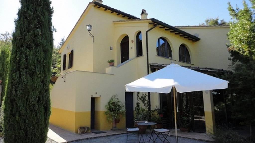 Rustico / Casale in buone condizioni in vendita Rif. 8846800