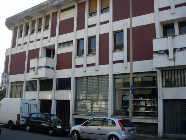 Appartamento in vendita a Vercelli, 6 locali, prezzo € 140.000 | CambioCasa.it