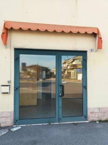 Laboratorio in affitto a Bovolone, 9999 locali, prezzo € 350 | CambioCasa.it