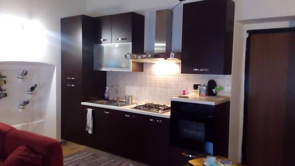 Appartamento in ottime condizioni arredato in affitto Rif. 9142512