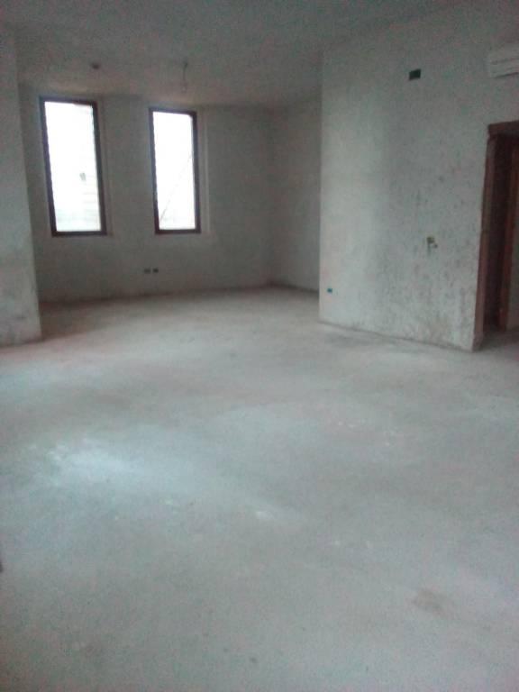 Attività commerciale in affitto Rif. 7813544