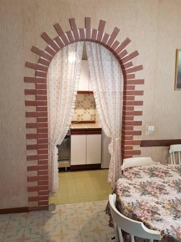 Appartamento in buone condizioni in vendita Rif. 6923065