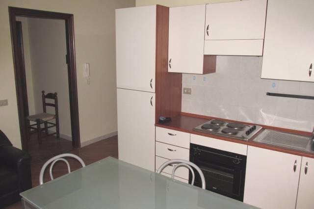 Appartamento in buone condizioni arredato in affitto Rif. 4973950