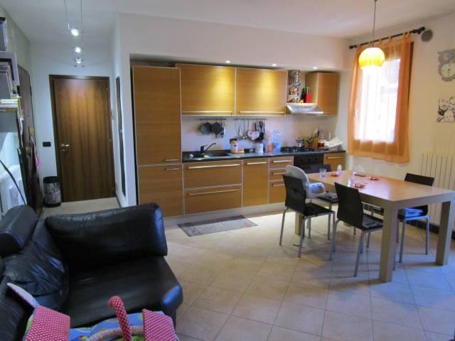 Appartamento in ottime condizioni parzialmente arredato in vendita Rif. 4956159
