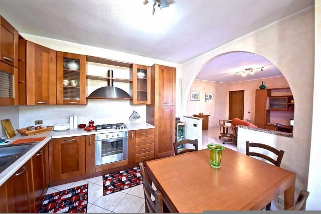 Appartamento in vendita a Olgiate Comasco, 3 locali, prezzo € 124.000 | CambioCasa.it