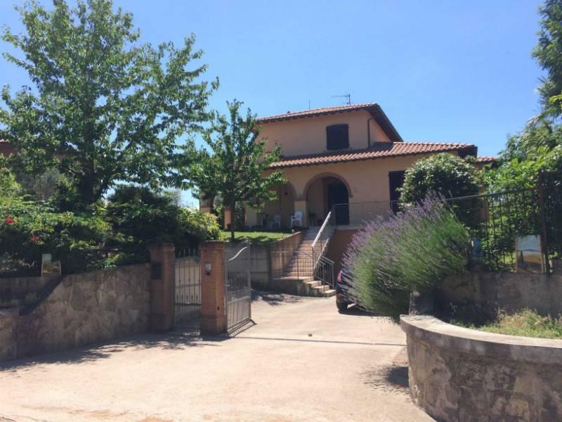 Villa in Vendita a Castiglione Del Lago Periferia: 5 locali, 250 mq