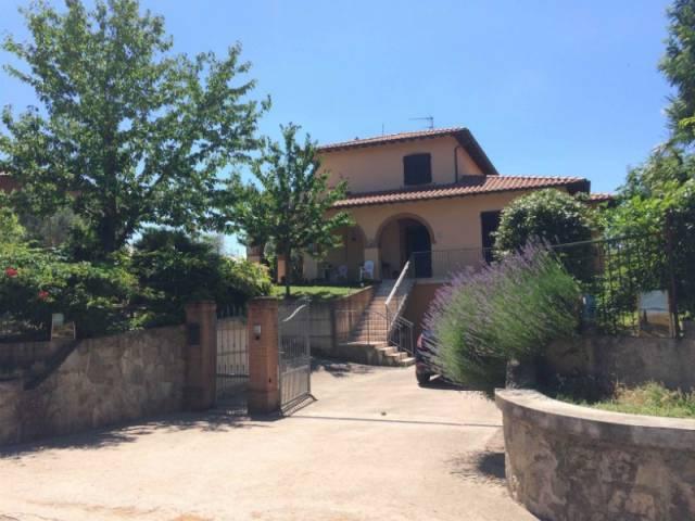 Villa in Vendita a Castiglione Del Lago: 5 locali, 250 mq