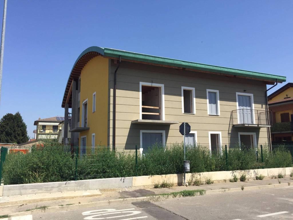 Appartamento in vendita a Castiraga Vidardo, 3 locali, prezzo € 179.000 | PortaleAgenzieImmobiliari.it