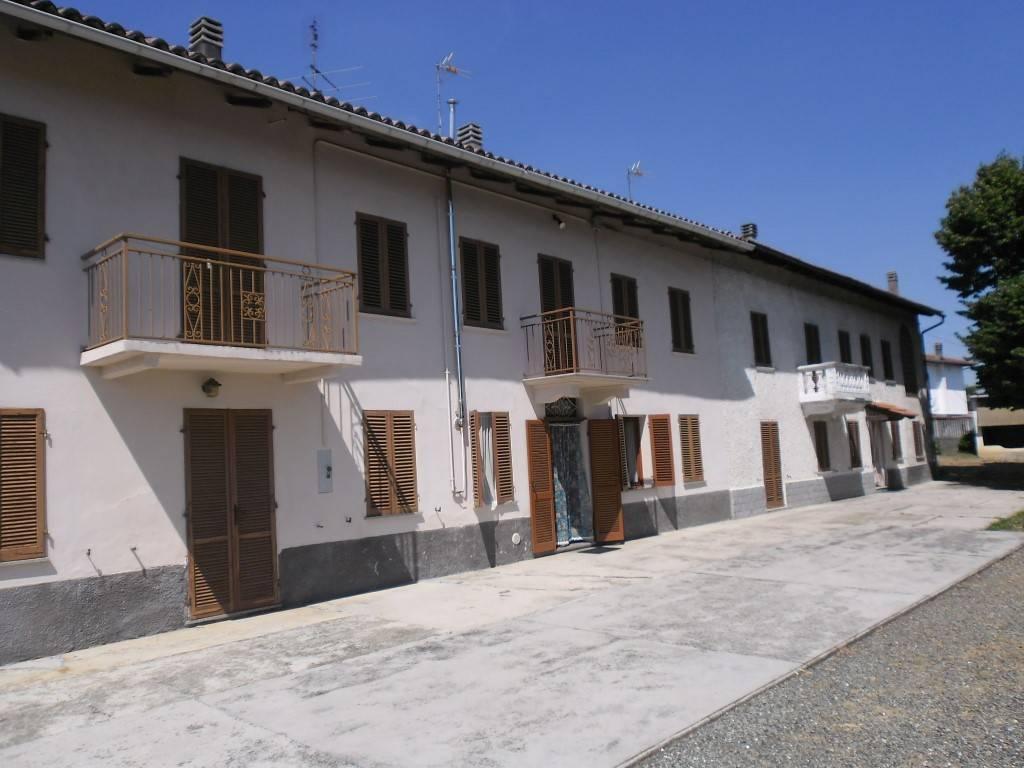 Rustico / Casale in vendita a Cortiglione, 11 locali, prezzo € 165.000 | CambioCasa.it