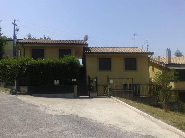 Villa trilocale in vendita a Poggio Mirteto (RI)