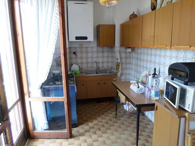 Appartamento in Vendita a Passignano Sul Trasimeno: 4 locali, 120 mq