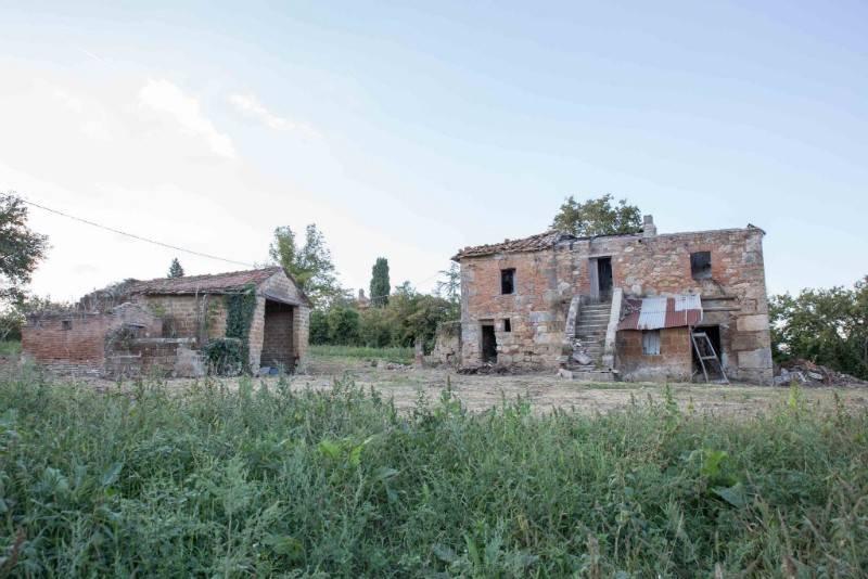Rustico in Vendita a Chiusi Periferia: 5 locali, 297 mq