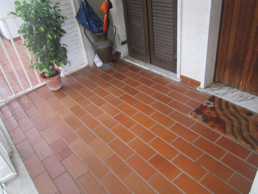Appartamento in buone condizioni arredato in vendita Rif. 9151307