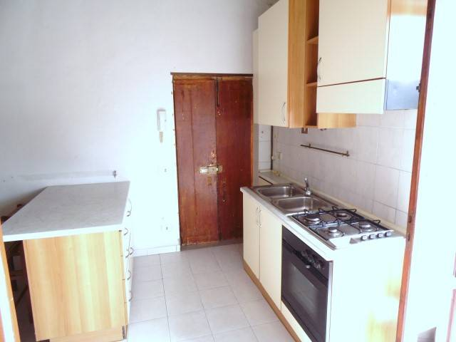 Appartamento in buone condizioni parzialmente arredato in vendita Rif. 6888338