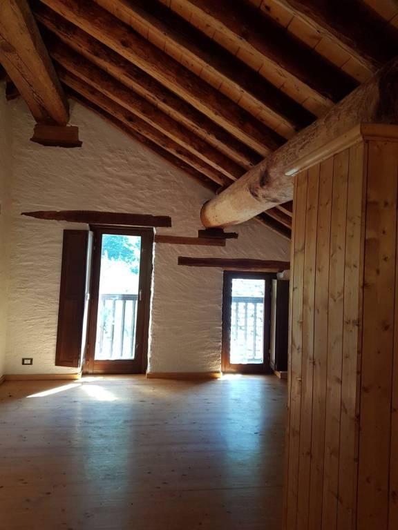Appartamento in buone condizioni in vendita Rif. 4333056