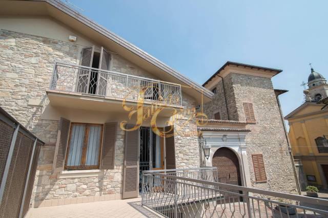 Immobile Residenziale in Vendita a Nibbiano  in zona Centro