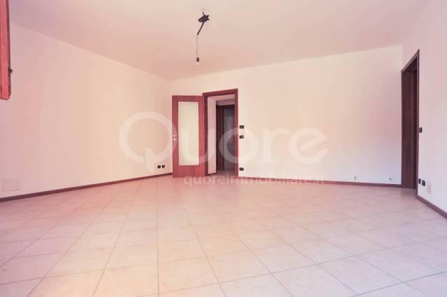 Appartamento in ottime condizioni in vendita Rif. 4345293