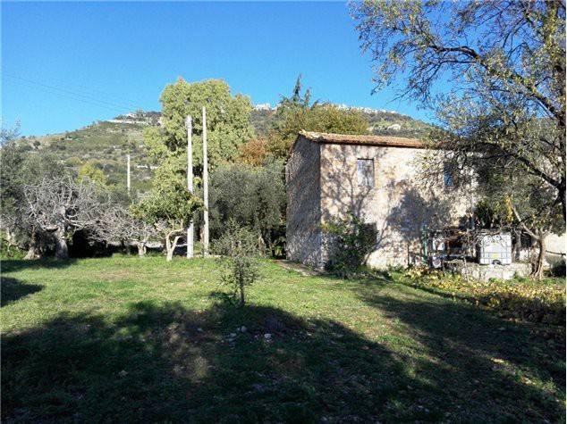 Rustico / Casale da ristrutturare in vendita Rif. 4579180