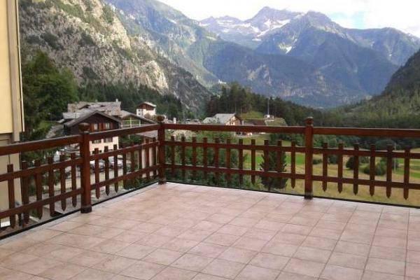 Appartamento in affitto a Brusson, 2 locali, prezzo € 550 | CambioCasa.it