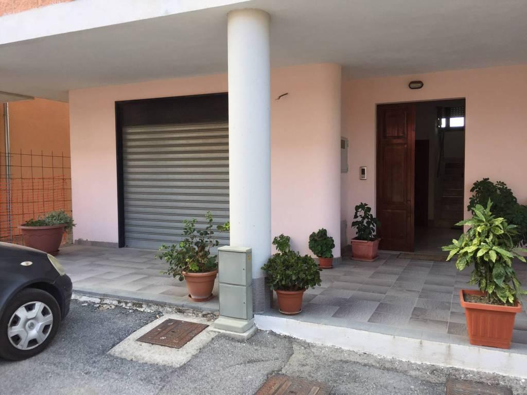 Appartamento in buone condizioni arredato in vendita Rif. 5241218