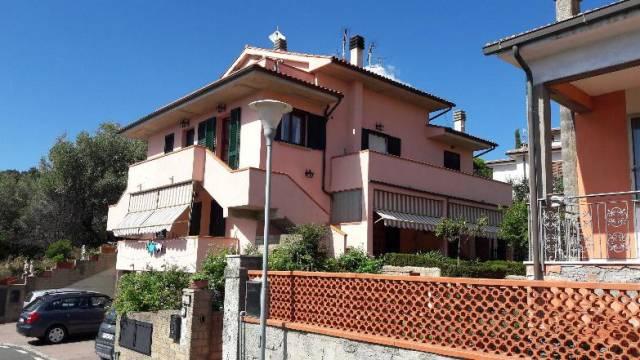 Appartamento in buone condizioni arredato in vendita Rif. 4977466