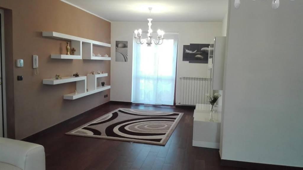 Appartamento in ottime condizioni in vendita Rif. 7969734