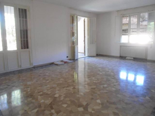 Appartamento quadrilocale in affitto a Bologna (BO)