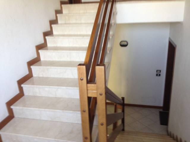 Appartamento in ottime condizioni in affitto Rif. 5089451