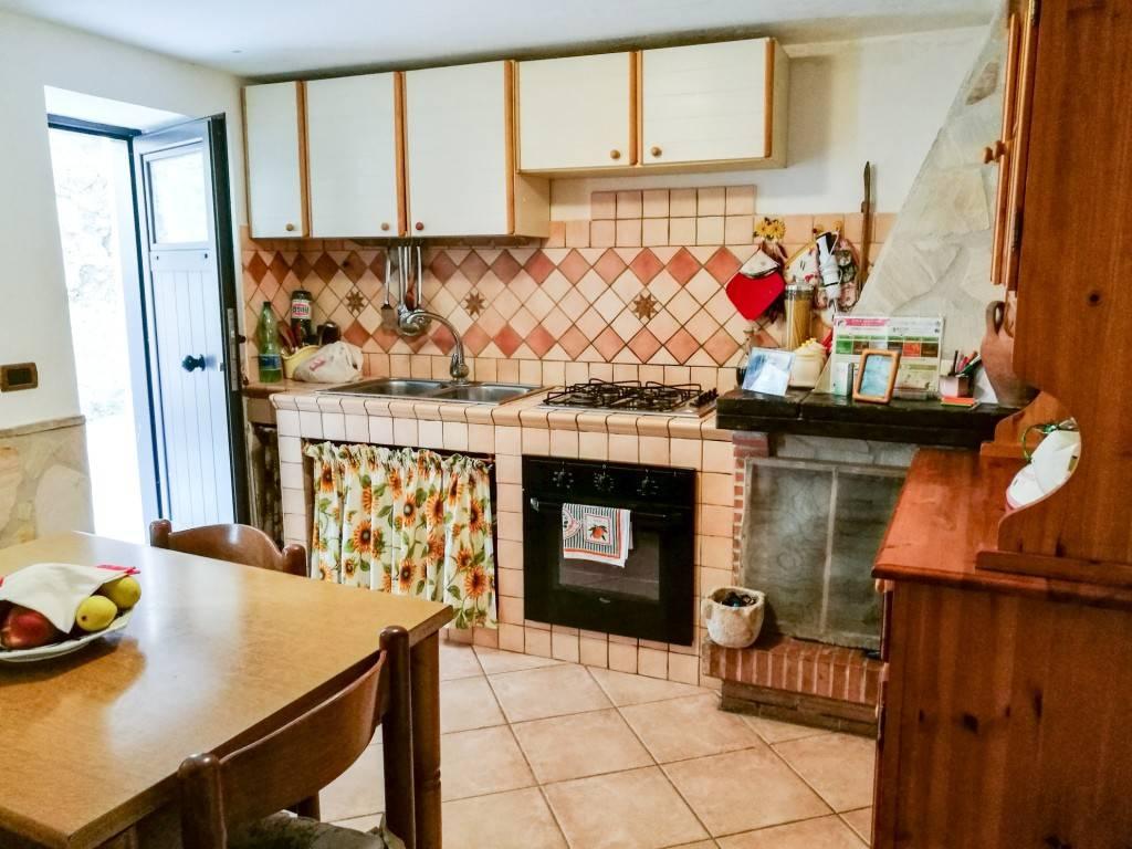 Casa Indipendente in buone condizioni arredato in vendita Rif. 8551608