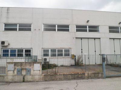 Magazzino - capannone in vendita Rif. 8563784