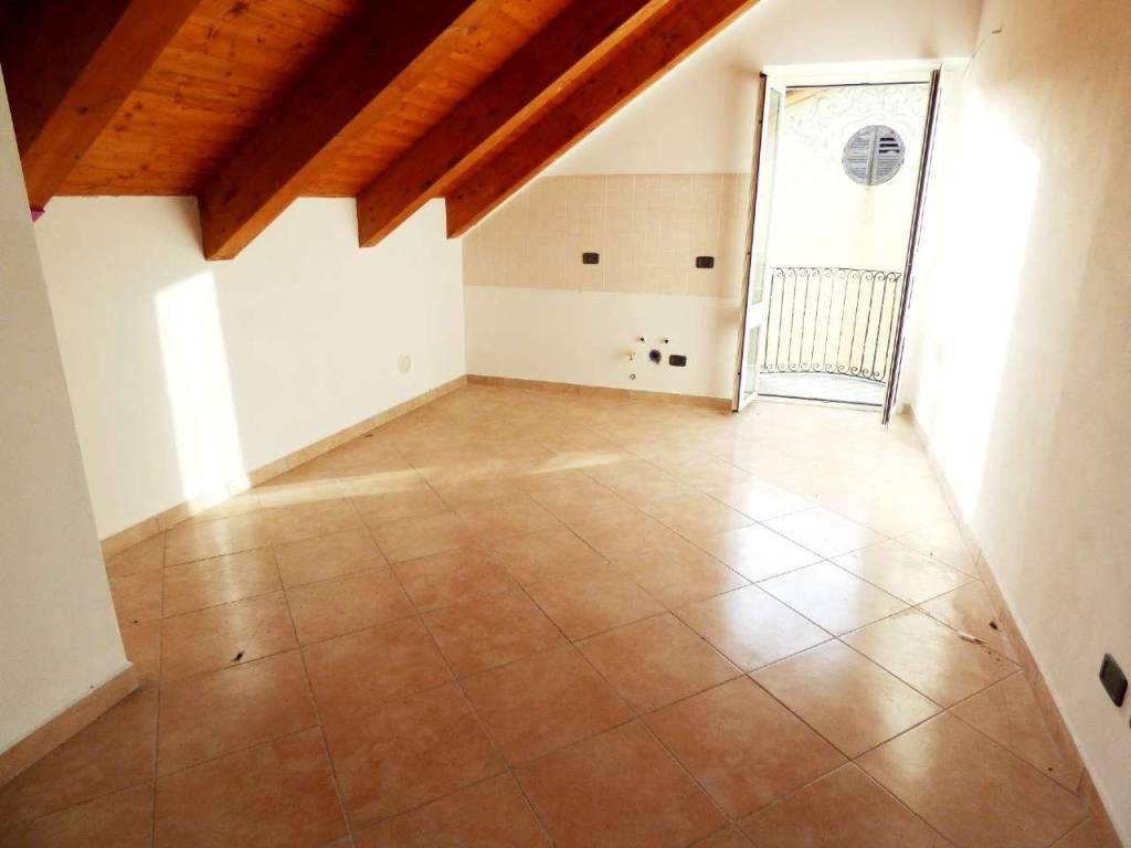 Appartamento in vendita a Uscio, 3 locali, prezzo € 50.000   CambioCasa.it
