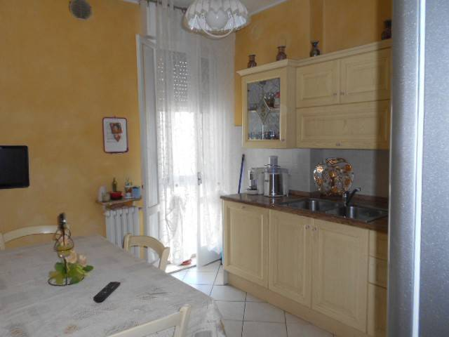 Appartamento in buone condizioni in vendita Rif. 7448693
