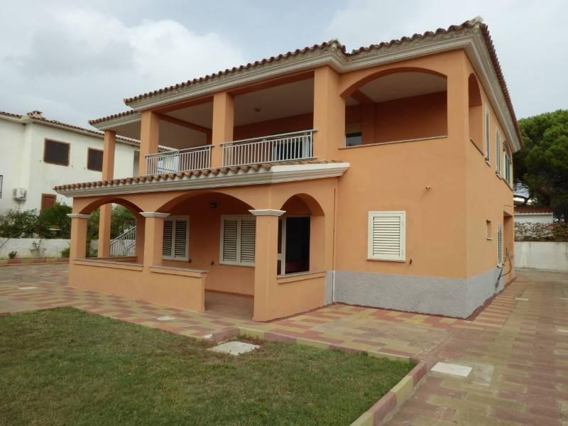 Villa in buone condizioni in vendita Rif. 6170049