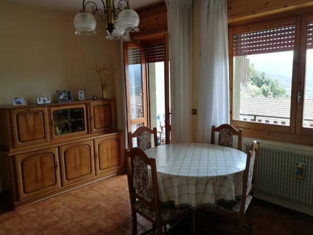 Appartamento in buone condizioni arredato in vendita Rif. 4252267