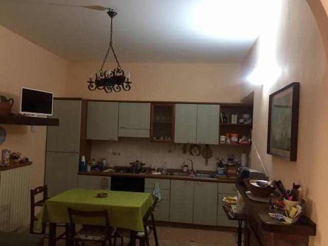 Appartamento in buone condizioni arredato in vendita Rif. 4201369