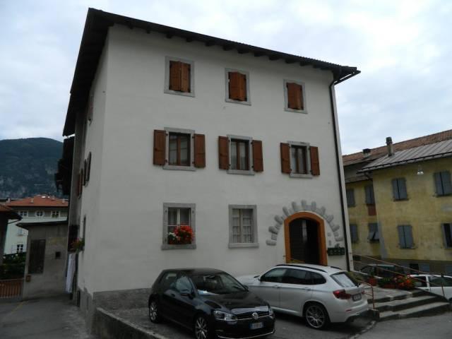 Appartamento in buone condizioni arredato in vendita Rif. 4366300